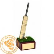 Brass design figure - Cricket